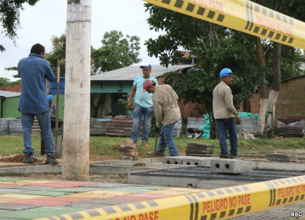 Las autoridades dicen que los habitantes están mal acostumbrados a los sueldos petroleros. Los trabajadores responden que los salarios de la obra pública no alcanzan para vivir en Puerto Gaitán