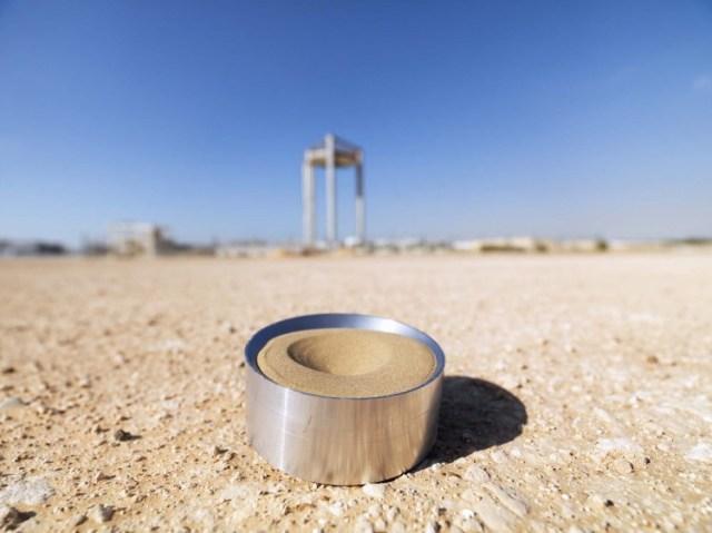 La-arena-del-desierto-de-EAU-puede-almacenar-energía-Térmica.