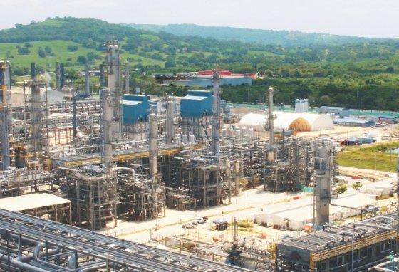 Para la modernización de la Refinería de Cartagena fueron invertidos US$8.015 millones, casi el doble de lo que estaba presupuestado al comienzo del proyecto. / Óscar Güesguán