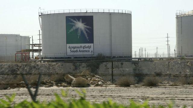 Tanque de almacenamiento de petróleo de Saudi Aramco. (Reuters) Leer más:  El círculo saudí. Blogs de Por si acaso  http://goo.gl/XiBP9e