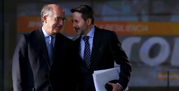 El consejero delegado de Repsol, Josu Jon Imaz, y el presidente de la petrolera, Antonio Brufau. (Reuters)