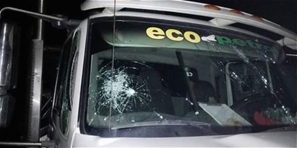 Varios vehículos de Ecolpetrol han sido atacados y afectados con piedras en Barrancabermeja