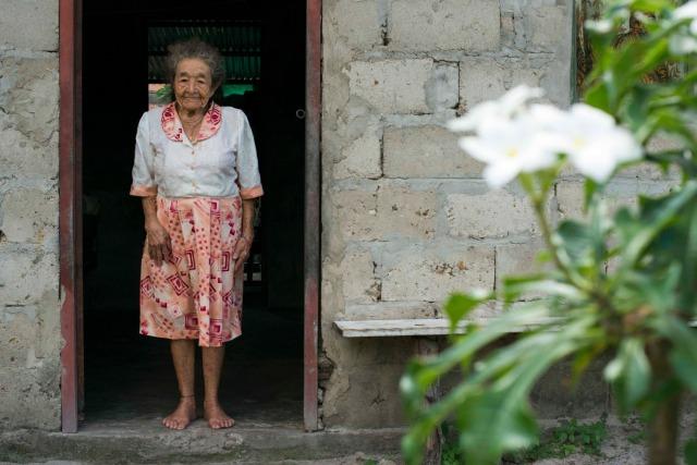 María del Carmen Casallas fue una de las mujeres que abandonaron la guerra del monte y ayudaron a construir el pueblo de Monterrey.