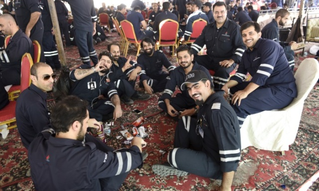 Huelga en Kuwait: trabajadores de Kuwait Oil Company. Foto de Reuters