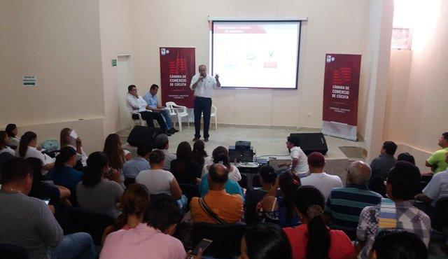 Carlos Luna Romero, presidente ejecutivo de la Cámara de Comercio de Cúcuta, lideró la presentación del programa de la entidad a los empresarios y voceros de Tibú y otros municipios de la zona.