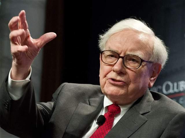 AFP El director ejecutivo de Berkshire Hathaway, Warren Buffet, es el cuarto hombre más rico del mundo con una fortuna de 64.800 millones de dólares.